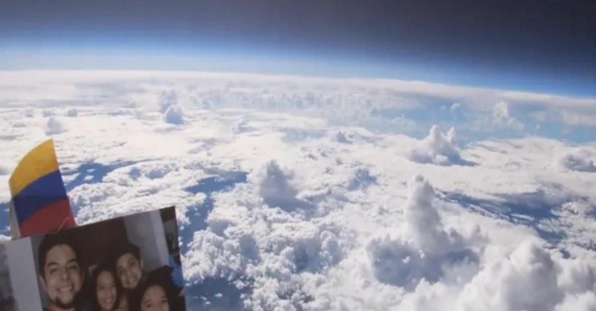 Ha attaccato una telecamera e una foto della sua famiglia ad un pallone ad elio ed ha filmato la Terra dall'alto [VIDEO]