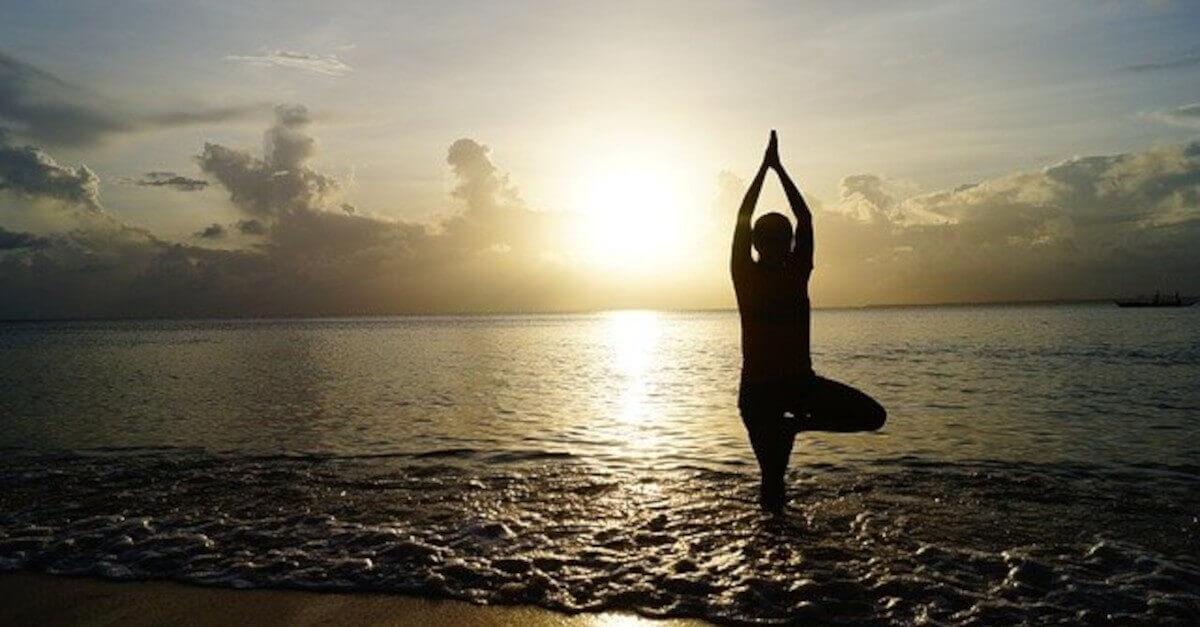 Qual è la posizione Yoga che rispecchia il vostro segno zodiacale?