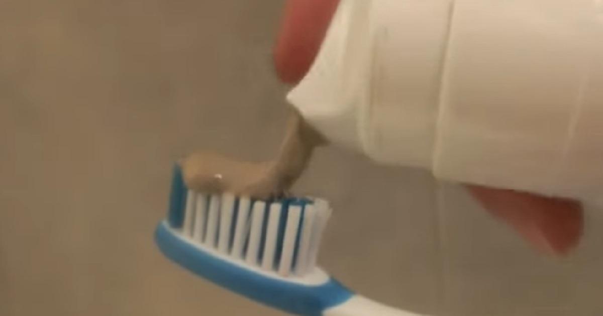 Come creare un dentifricio menta e liquirizia fatto in casa: la ricetta di Benedetta Rossi