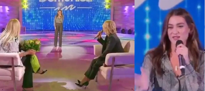 """Domenica in: Gaia Gozzi arriva con il fiatone e si scusa """"Mi scappava"""", Mara commenta e Maria se la ride. VIDEO"""