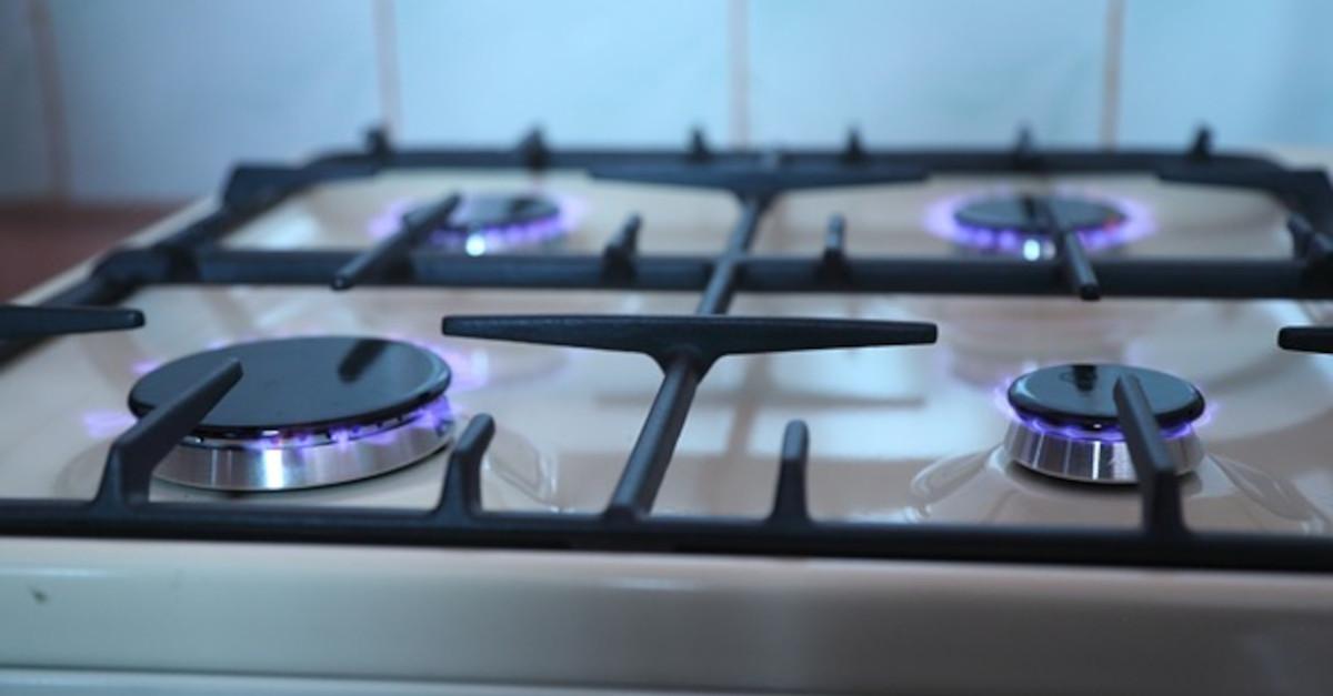 4 consigli per pulire al meglio i fornelli