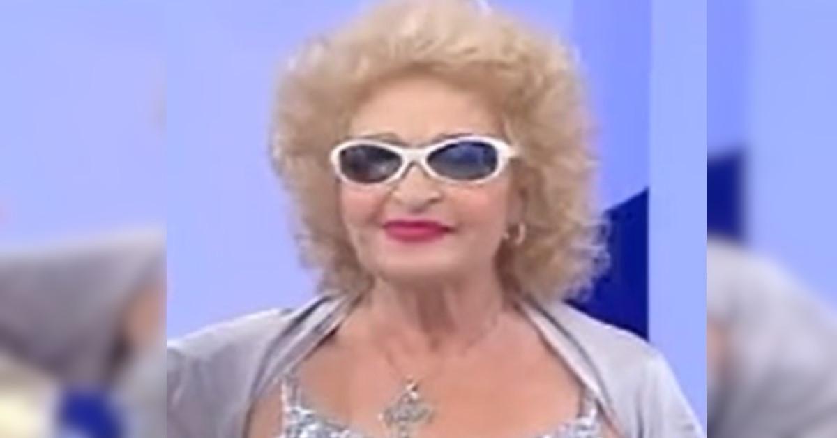 Ricordate Angela Favolosa Cubista, la dama del trono over di Uomini e Donne? Ecco come la ritoviamo oggi