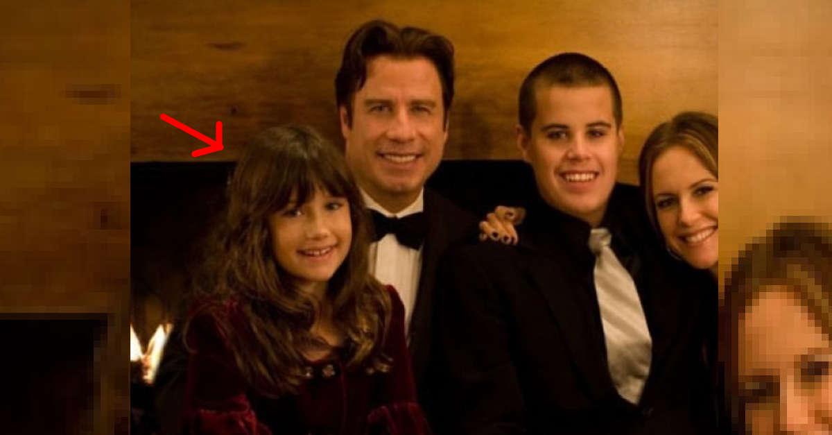 In questa foto era solo una bambina. Oggi ha 20 anni, ecco com'è diventata Ella, la figlia di John Travolta