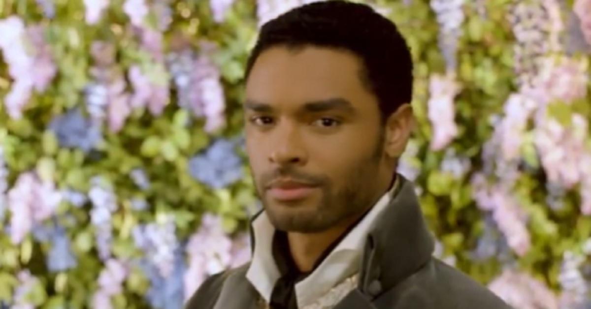"""E' Simon, il duca di Hastings in """"Bridgerton"""", ma chi è l'attore che lo interpreta?"""