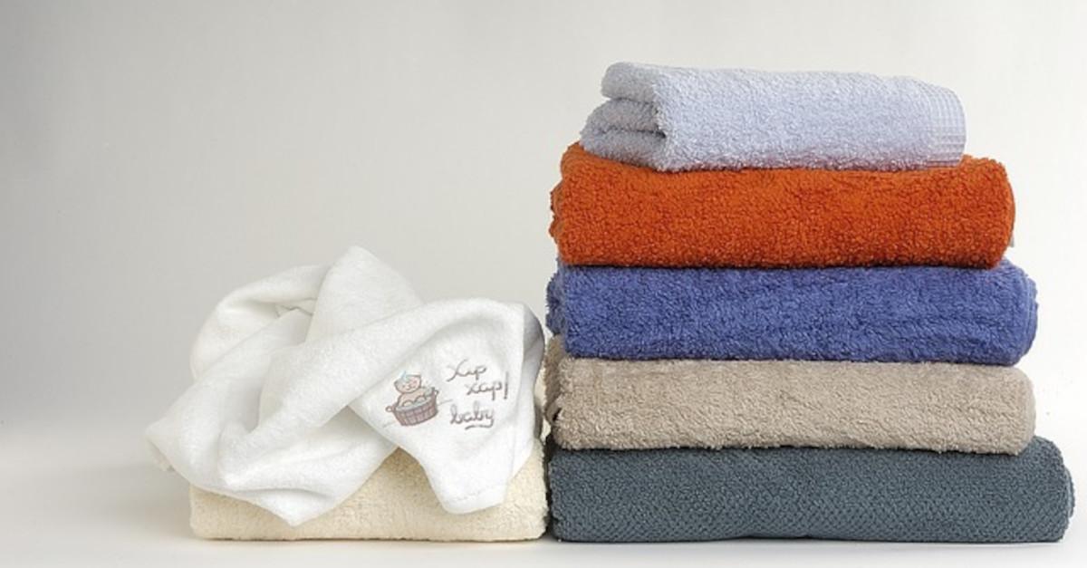 Mantieni i tuoi asciugamani puliti, morbidi e soffici con questo segreto