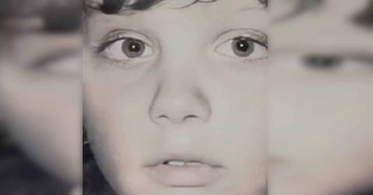 Qui era solo un bambino, oggi è uno degli influencer più famosi a livello internazionale. Lo avete riconosciuto?