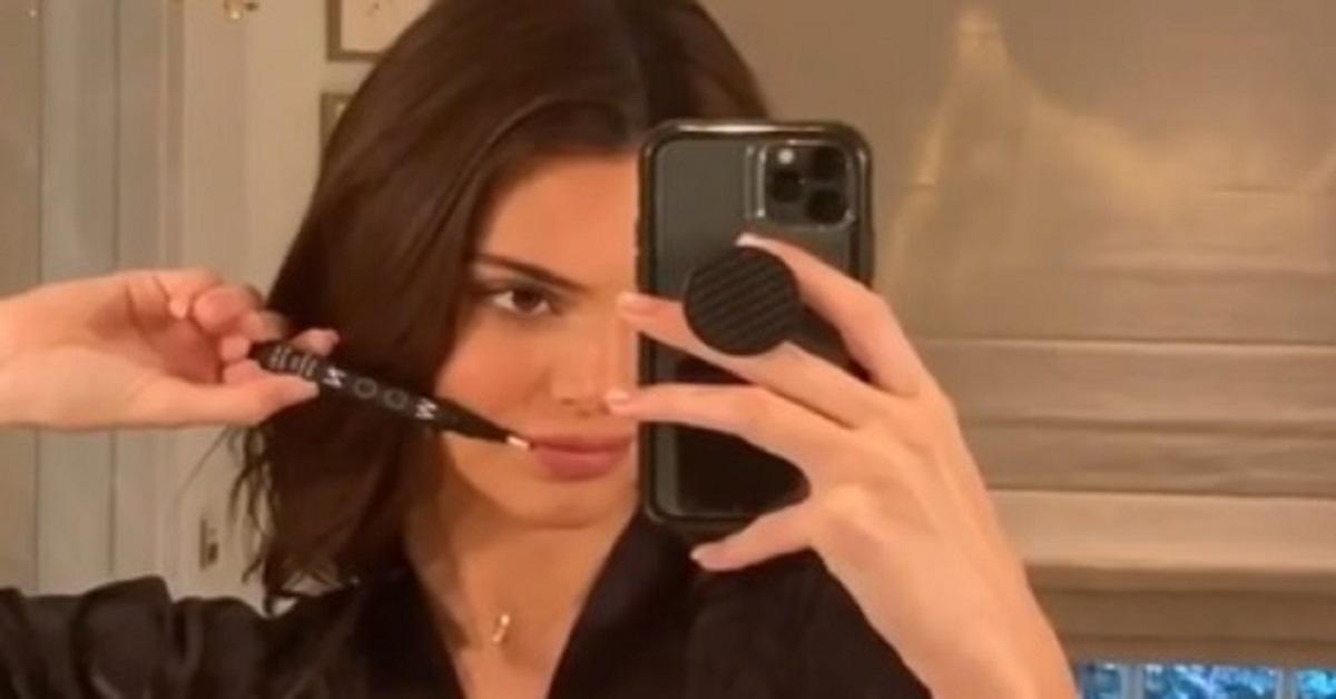 Kendall Jenner mostra su Instagram il bagno super lusso placcato in oro. Il suo valore è proprio esagerato