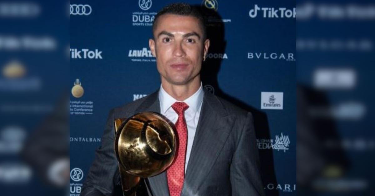 """Ronaldo ritira il premio come """"Giocatore del Secolo"""", ma Georgina gli ruba la scena, occhi puntati sul suo outfit"""