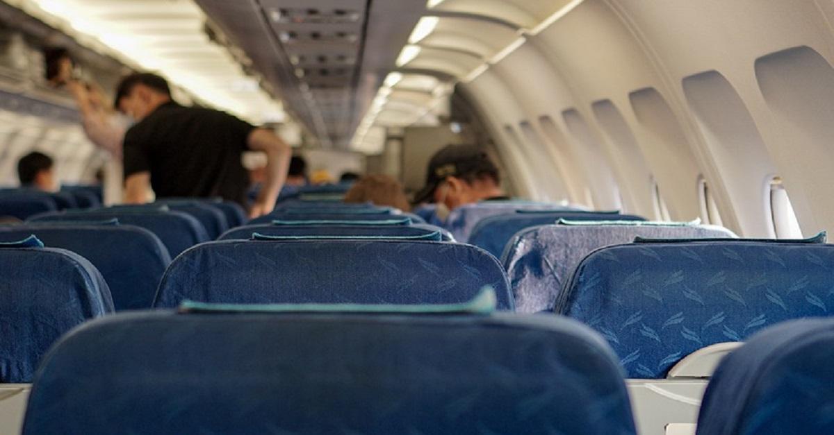 Sapete perchè negli aerei i finestrini non sono allineati con i sedili dei passeggeri?