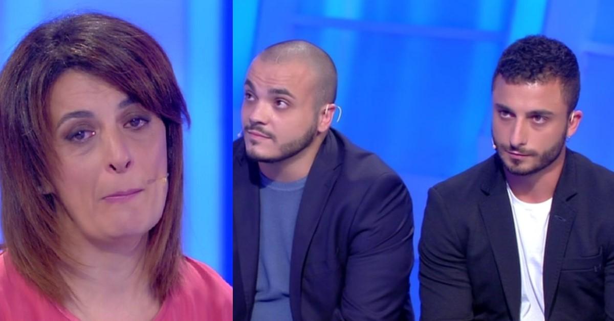 C'è posta per te: Giovanna piange ma la busta resta chiusa, Carlo e Antonio non riabbracciano la mamma