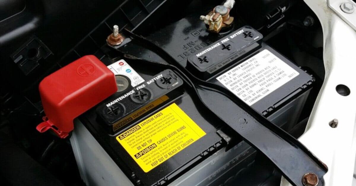 5 errori che commettiamo tutti e fanno scaricare la batteria dell'auto