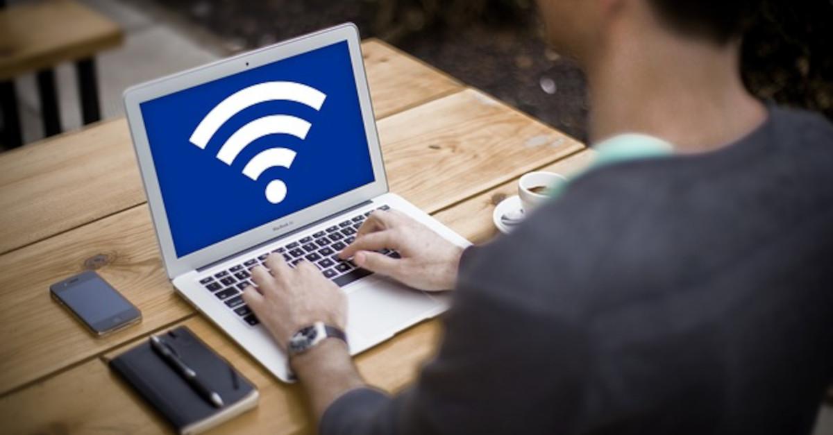 Connessione a Internet lenta! Scopri chi sta rubando il tuo wifi