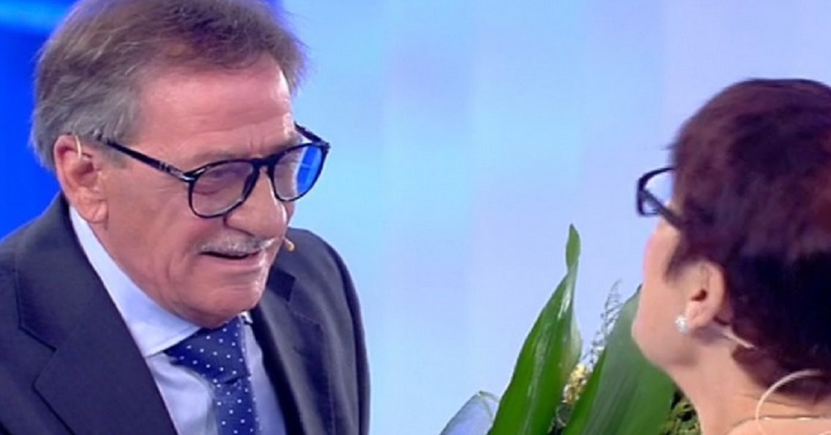 C'è posta per te: Luigi dopo 50 anni rivede Maria, il loro incontro appassiona e mobilita gli utenti del web