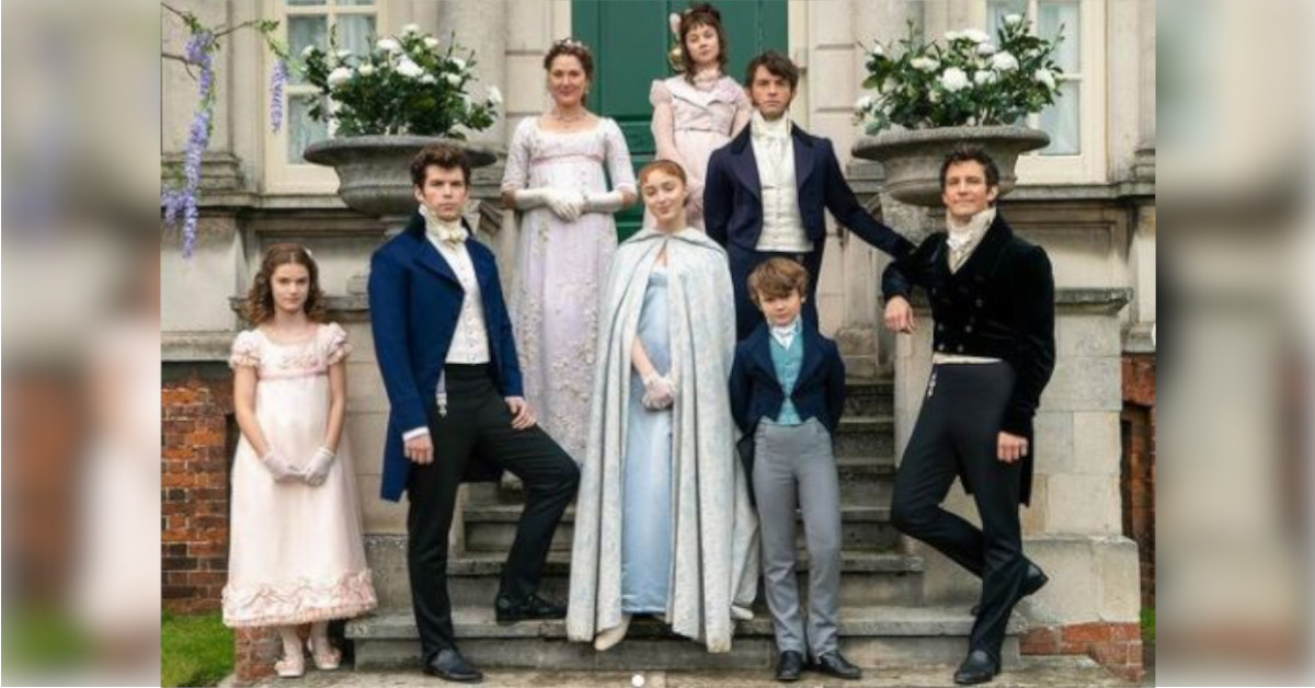 Bridgerton, la verità sugli splendidi costumi della serie: cosa non sapete