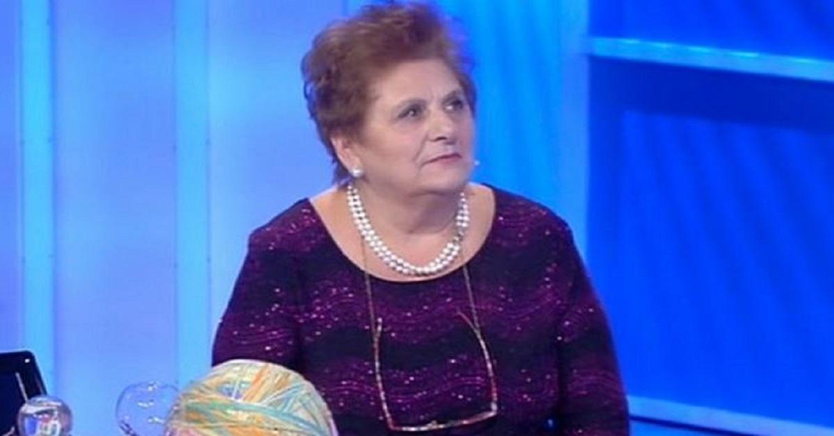 C'è posta per te: La Signora Almerida regina della serata la sua battuta impazza sui social