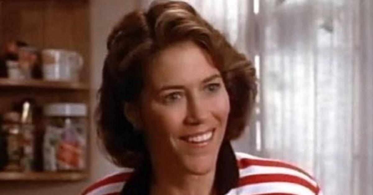 Ricordate la mamma di Brandon e Brenda in Beverly Hills 90210? Visibilmente cambiata, la foto 20 anni dopo
