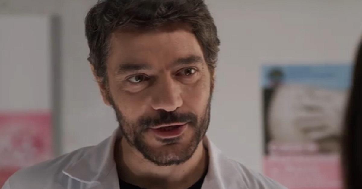 """Interpreta Domenico nella serie tv """"Mina Settembre"""". Giuseppe Zeno è molto conosciuto, ma sapete che anche la moglie è un'attrice?"""