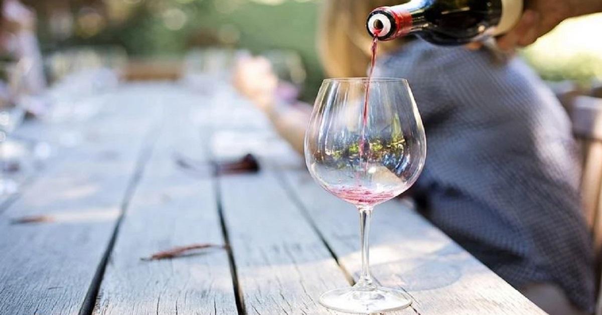 Secondo gli esperti, ci sono momenti peggiori per bere il vino