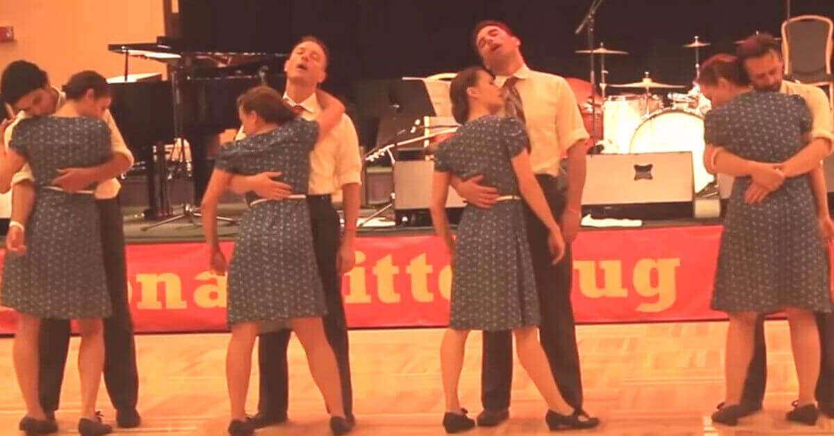 4 coppie si riuniscono in una competizione per dare una svolta completamente nuova al Twist