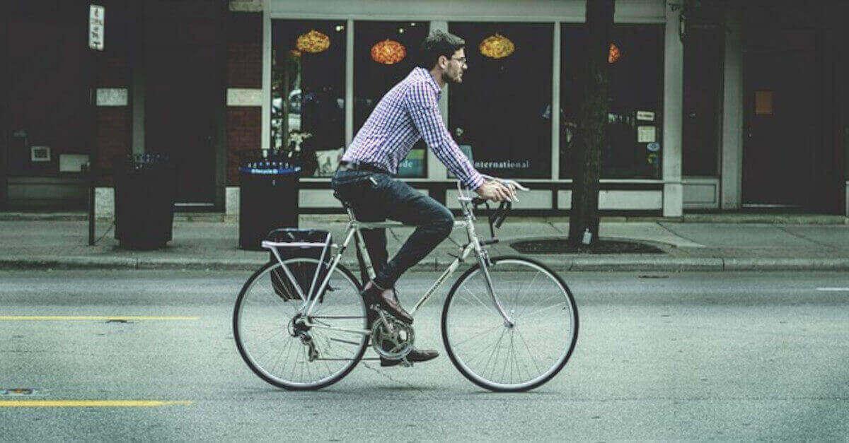 Gli uomini che amano andare in bici fanno parte di questi segni dello zodiaco