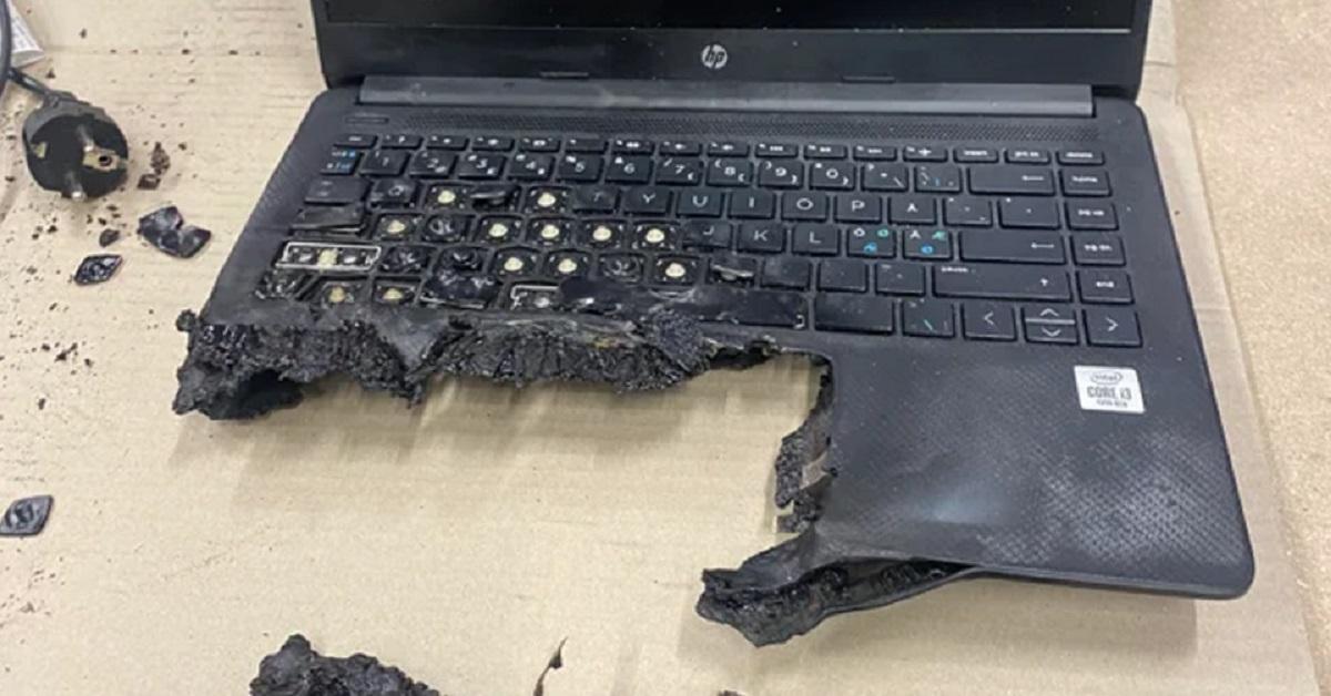 15 foto di dispositivi elettronici considerati tra i casi peggiori mai visti dal personale del supporto tecnico