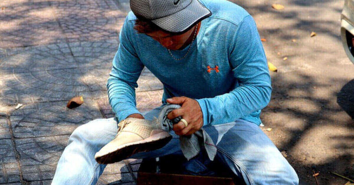 4 consigli per pulire le scarpe, a seconda del tipo
