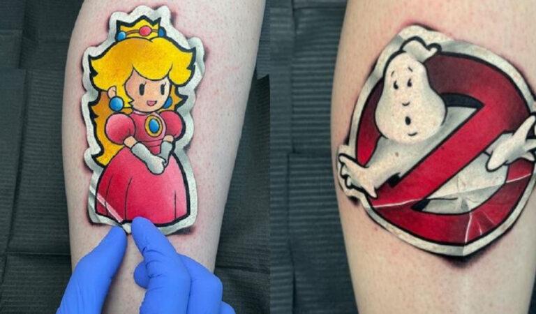 19 tatuaggi che sembrano adesivi che si staccano dalla pelle