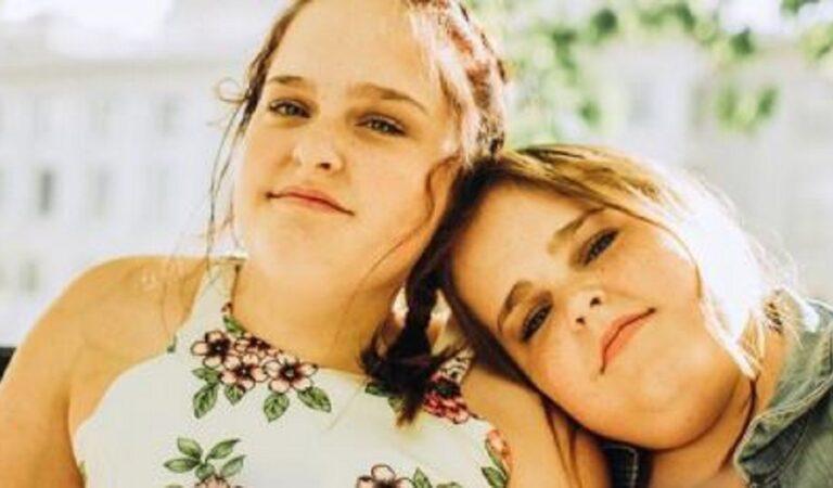 """Maliyah e Kendra le gemelle siamesi separate nel 2006, oggi hanno una vita social e si definisco """"Twin Youtubers"""""""