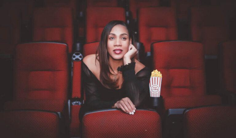 Le donne di questi segni zodiacali hanno una grande passione per il cinema