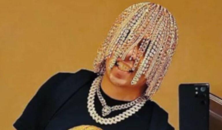 Dan Sur, il rapper che dice di avere tra i capelli degli impianti di catene d'oro ha milioni di seguaci su TikTok (VIDEO)